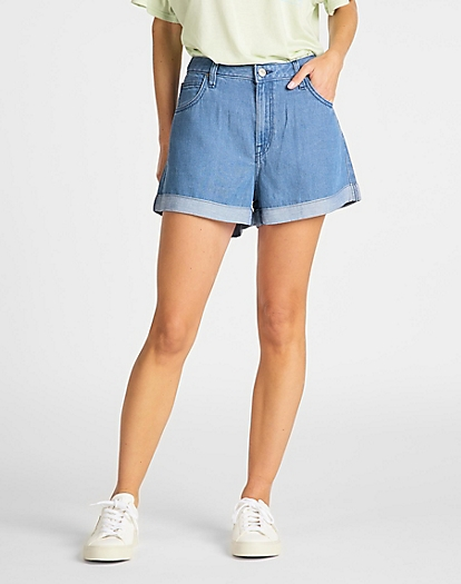 Relaxed Short in Light Stockton