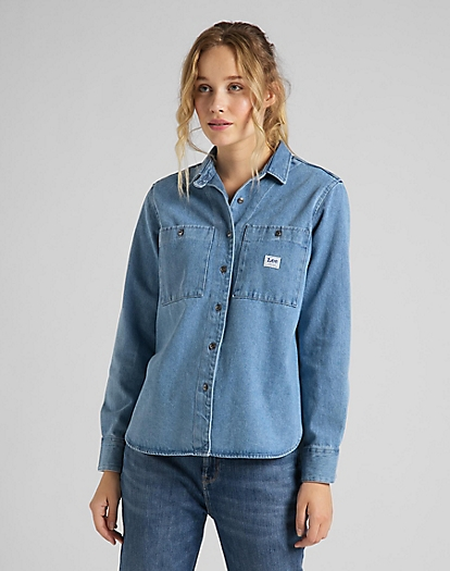 Feminine Worker Shirt in Faded Blue