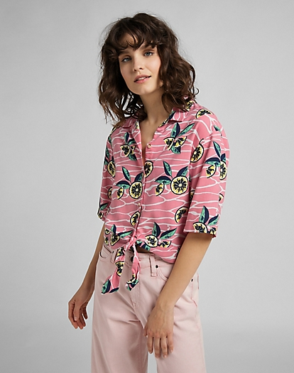 Knotted Resort Shirt in Cherry Blossom