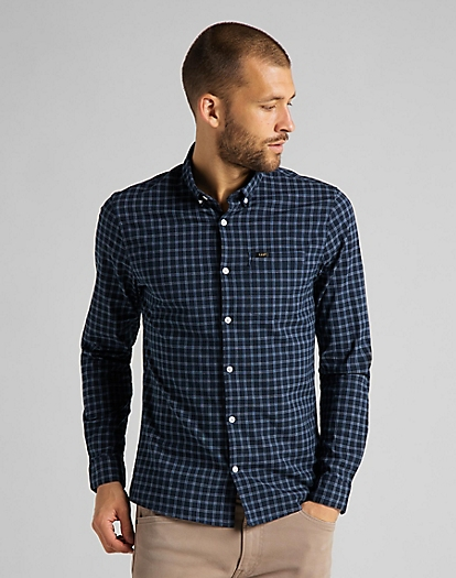 Slim Button Down Shirt in Sky Captain