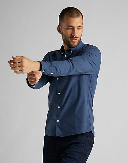 Slim Button Down Shirt in Navy