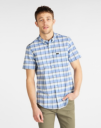 Short Sleeve Button Down Shirt in Summer Blue