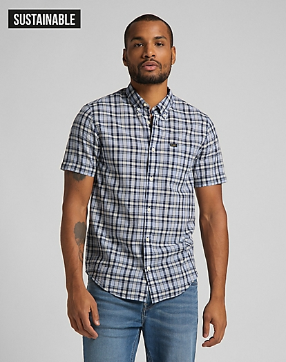 Short Sleeve Button Down Shirt in Washed Blue