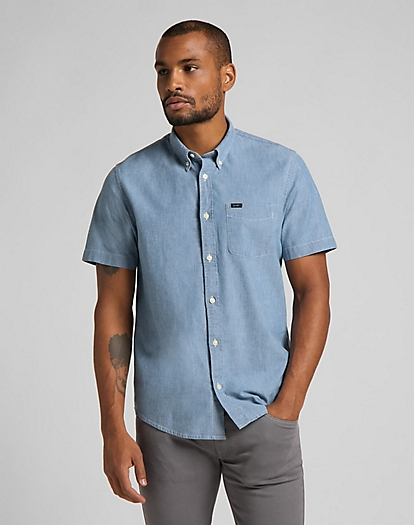 Short Sleeve Button Down Shirt in Piscine